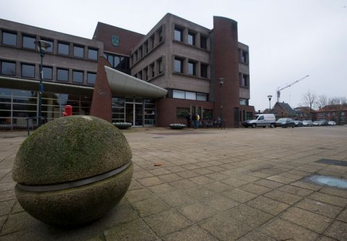 Reactie PCW op vroegtijdig beëindigen aanbesteding oude gemeentehuis | Albert Kerssies